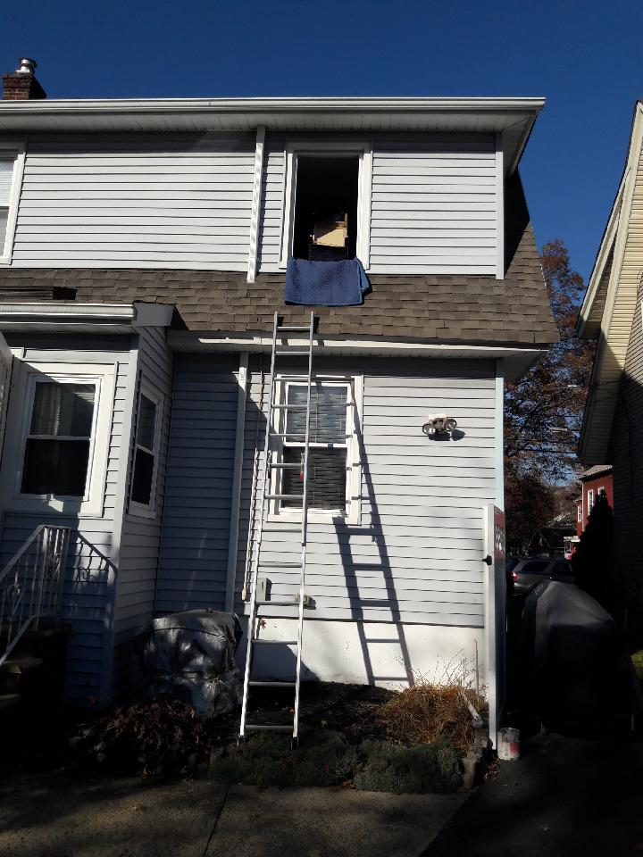 Moving a second floor with a ladder